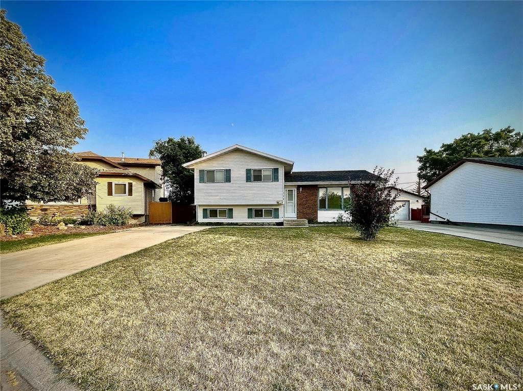 Main Photo: 628 Katzman Place in Martensville: Residential for sale : MLS®# SK864486