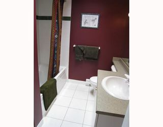 """Photo 9: 406 688 E 16TH Avenue in Vancouver: Fraser VE Condo for sale in """"VINTAGE EAST"""" (Vancouver East)  : MLS®# V710673"""