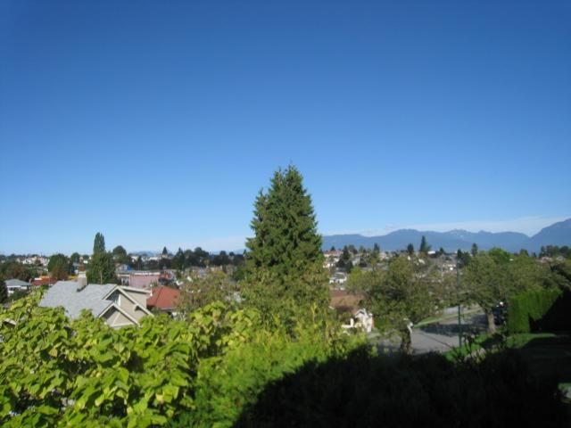 Photo 2: Photos: 5846 DUMFRIES Street in Vancouver: Knight House for sale (Vancouver East)  : MLS®# V852885