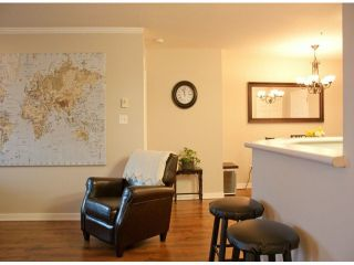 """Photo 5: 305 2526 LAKEVIEW Crescent in Abbotsford: Central Abbotsford Condo for sale in """"MILLSPRING MANOR"""" : MLS®# F1228036"""