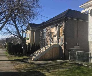 Photo 2: 2607 TURNER Street in Vancouver: Renfrew VE House for sale (Vancouver East)  : MLS®# R2559808