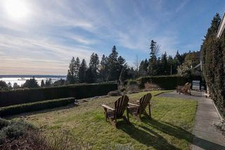 Photo 1: 1855 ROSEBERRY Avenue in WEST VANCOUVER: Queens House for sale (West Vancouver)  : MLS®# R2136836