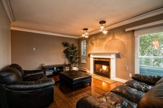 """Photo 11: 101 2615 LONSDALE Avenue in North Vancouver: Upper Lonsdale Condo for sale in """"HarbourView"""" : MLS®# V1078869"""