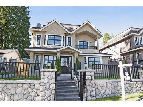 FEATURED LISTING: 328 25TH Street E North Vancouver