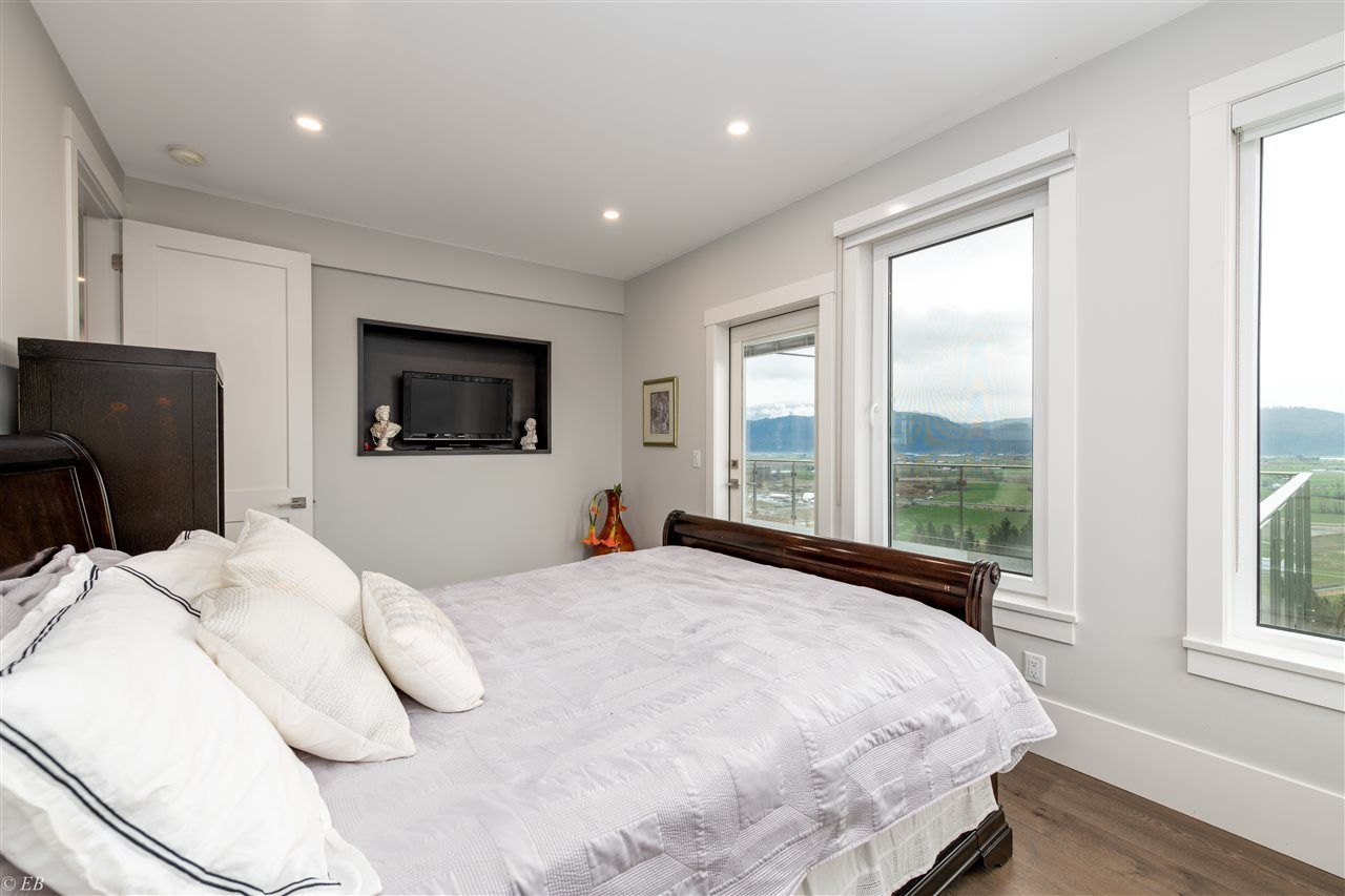 Photo 19: Photos: 36498 FLORENCE DRIVE in Abbotsford: Abbotsford East House for sale : MLS®# R2550580