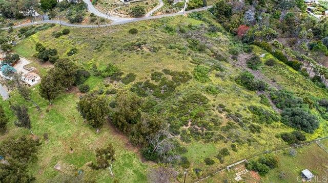 Main Photo: Property for sale: Edgewood Dr in La Mesa