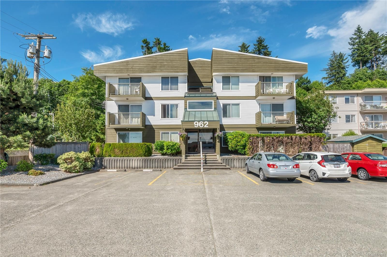 Main Photo: 303 962 S Island Hwy in Campbell River: CR Campbell River Central Condo for sale : MLS®# 879391