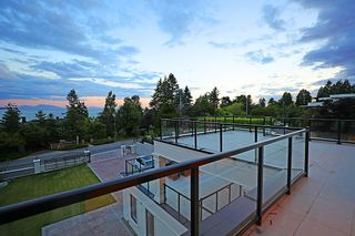 Photo 30: 14020 MARINE Drive: White Rock House for sale (South Surrey White Rock)  : MLS®# R2478365