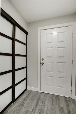 Photo 5: 18 23 GLAMIS Drive SW in Calgary: Glamorgan Row/Townhouse for sale : MLS®# C4293162