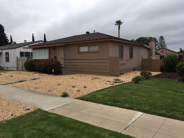 Main Photo: PACIFIC BEACH House for rent : 3 bedrooms : 1021 Reed Avenue in San Diego