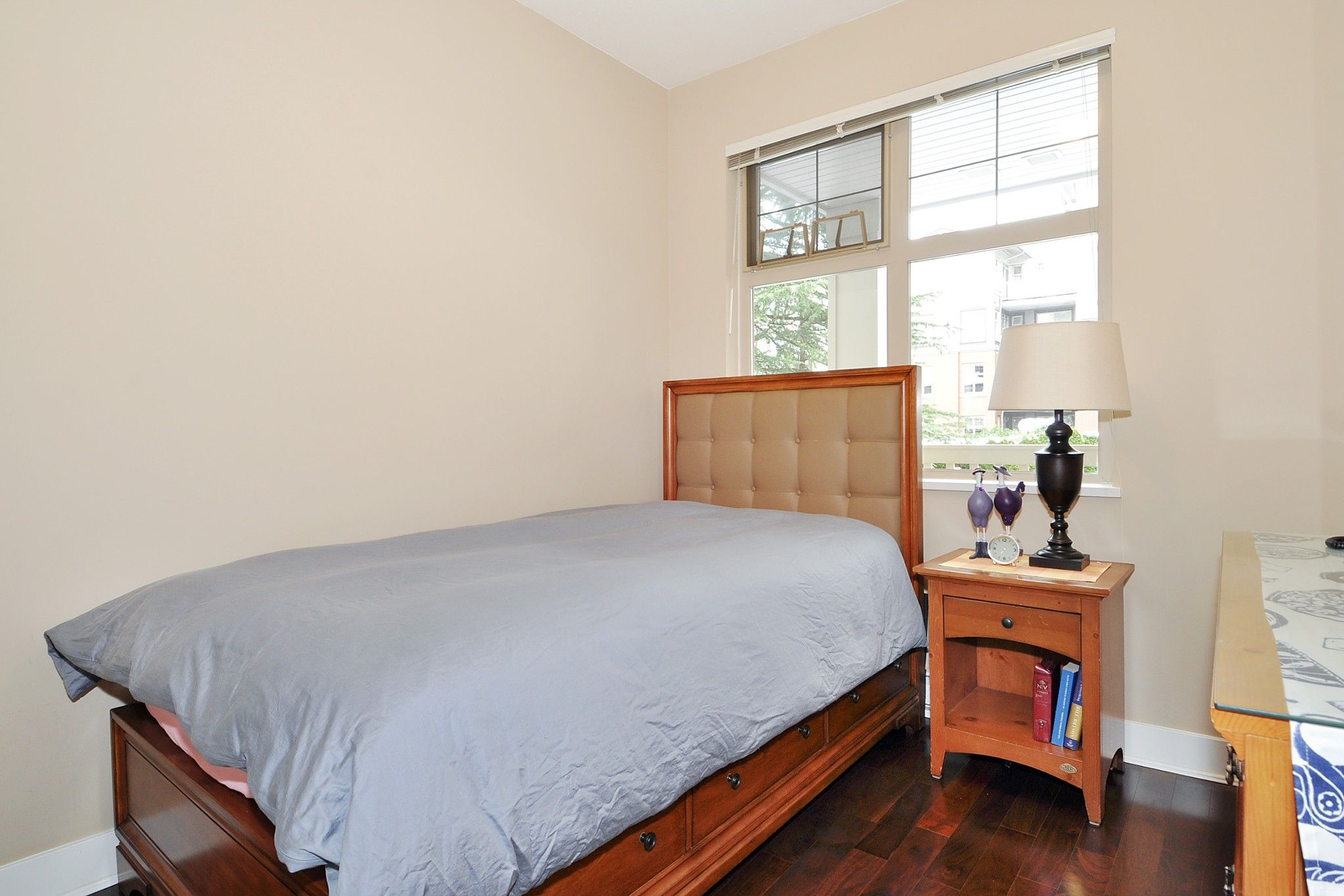 """Photo 10: Photos: 222 2083 W 33RD Avenue in Vancouver: Quilchena Condo for sale in """"DEVONSHIRE HOUSE"""" (Vancouver West)  : MLS®# R2341234"""