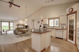 Photo 2: 13 Strathearn Gardens SW in Calgary: Strathcona Park Semi Detached for sale : MLS®# A1114770