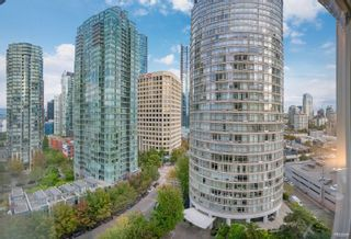 """Photo 1: 1301 1288 ALBERNI Street in Vancouver: West End VW Condo for sale in """"Palisades"""" (Vancouver West)  : MLS®# R2614069"""