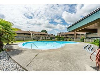Photo 15: 56 5850 177B STREET in Surrey: Cloverdale BC Townhouse for sale (Cloverdale)  : MLS®# R2463380