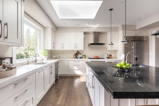 Photo 10: 5349 KENSINGTON Crescent in West Vancouver: Caulfeild House for sale : MLS®# R2597433