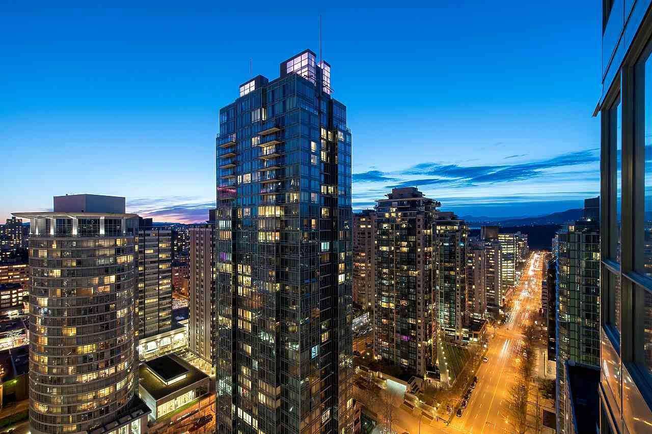 Main Photo: 1201 1288 W GEORGIA STREET in : West End VW Condo for sale : MLS®# R2370787