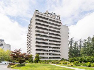 """Photo 1: 606 4194 MAYWOOD Street in Burnaby: Metrotown Condo for sale in """"Park Avenue Towers"""" (Burnaby South)  : MLS®# R2493615"""