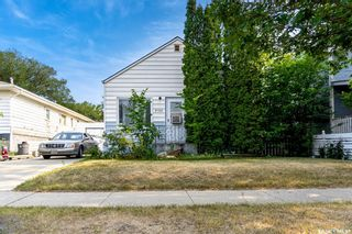 Main Photo: 2105 20th Street West in Saskatoon: Pleasant Hill Residential for sale : MLS®# SK863933