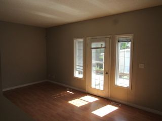 Photo 7: 9201 Morinville Drive in Morinville: Townhouse for rent