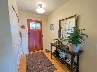 Photo 4: 6231 SUNRISE Boulevard in Sechelt: Sechelt District House for sale (Sunshine Coast)  : MLS®# R2589501