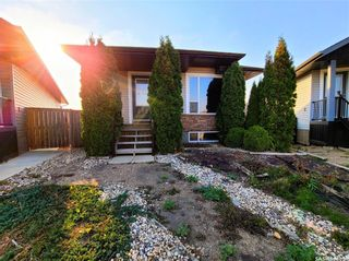 Photo 1: 740 Glenview Cove in Martensville: Residential for sale : MLS®# SK873598