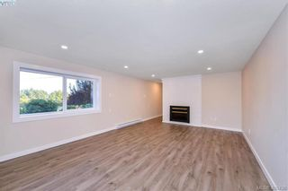 Photo 10: 4520 Markham St in VICTORIA: SW Beaver Lake House for sale (Saanich West)  : MLS®# 798977
