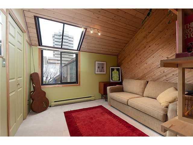 """Main Photo: 1165 W 8TH Avenue in Vancouver: Fairview VW Townhouse for sale in """"FAIRVIEW 2"""" (Vancouver West)  : MLS®# V862879"""