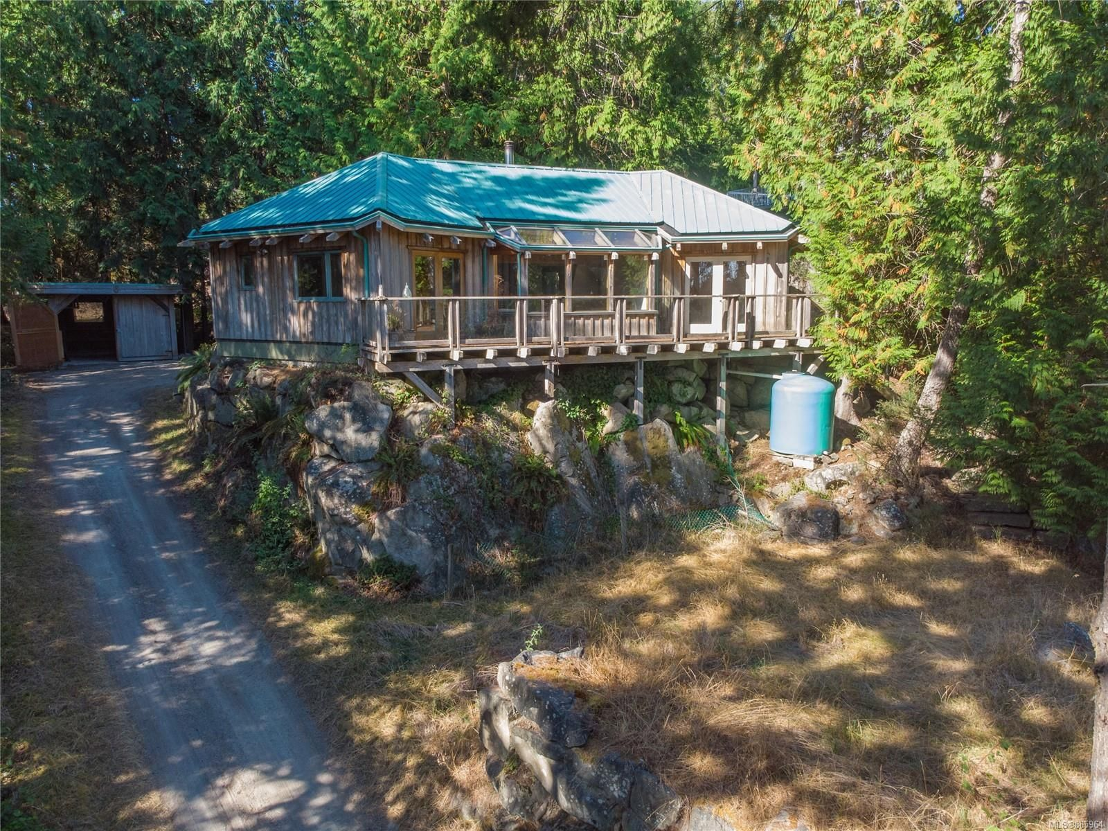 Main Photo: 4347 Clam Bay Rd in Pender Island: GI Pender Island House for sale (Gulf Islands)  : MLS®# 885964