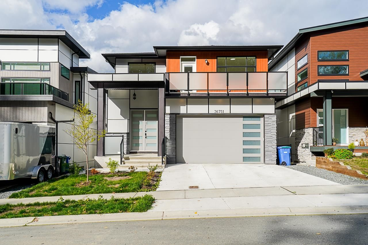 Main Photo: 36751 DIANNE BROOK Avenue in Abbotsford: Abbotsford East House for sale : MLS®# R2624657