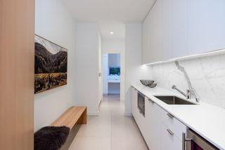 Photo 6: 903 LEOVISTA Avenue in North Vancouver: Edgemont House for sale : MLS®# R2355566