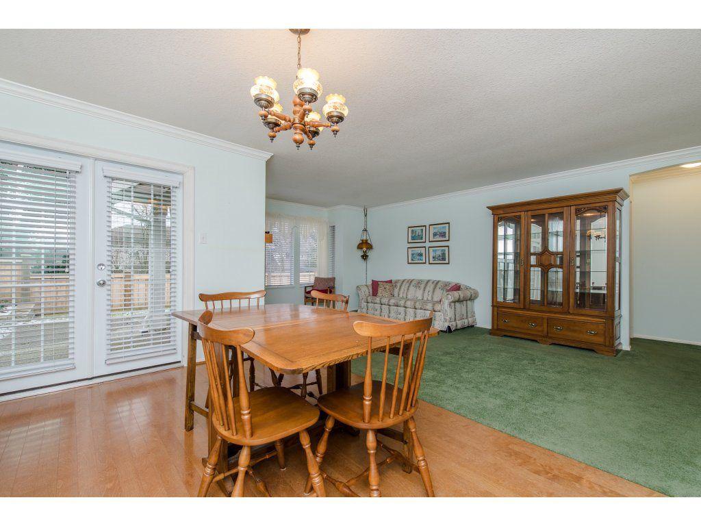 "Photo 10: Photos: 8 21848 50 Avenue in Langley: Murrayville Townhouse for sale in ""CEDAR CREST ESTATES"" : MLS®# R2132089"