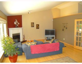 Photo 3: 2768 ASSINIBOINE Avenue in WINNIPEG: St James Residential for sale (West Winnipeg)  : MLS®# 2911747