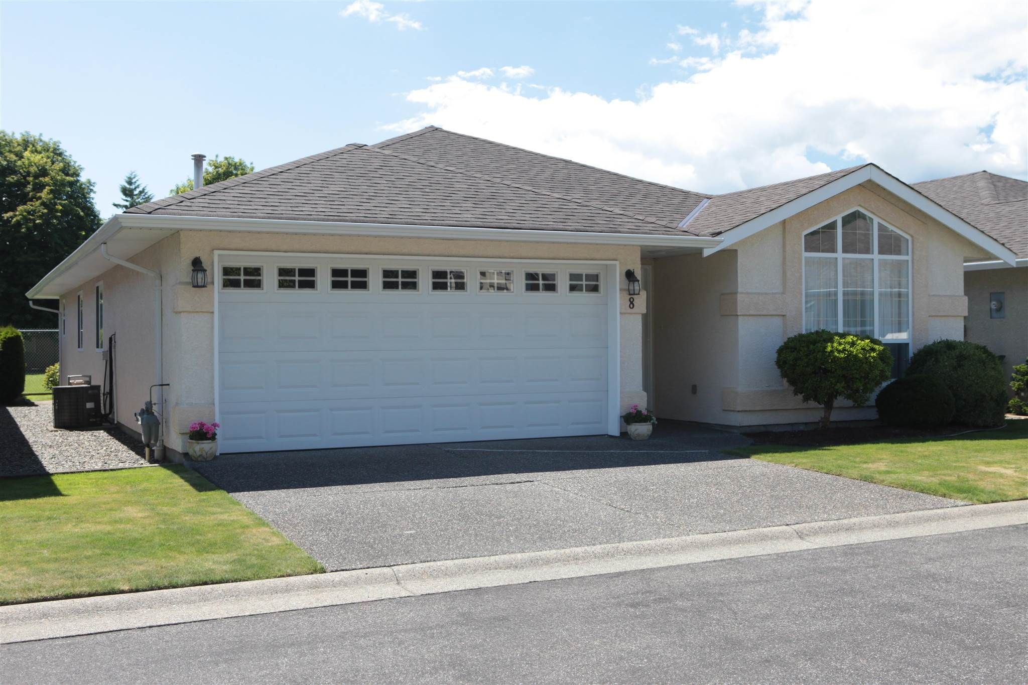 """Main Photo: 8 9921 QUARRY Road in Chilliwack: Chilliwack N Yale-Well House for sale in """"BRAESIDE ESTATES"""" : MLS®# R2593885"""