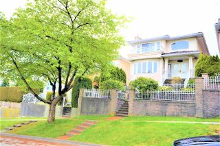 Photo 3: 155 ELLESMERE Avenue in Burnaby: Capitol Hill BN House for sale (Burnaby North)  : MLS®# R2577237