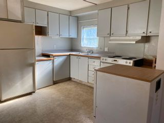 Photo 2: 9 5294 SELMA PARK Road in Sechelt: Sechelt District Manufactured Home for sale (Sunshine Coast)  : MLS®# R2623578