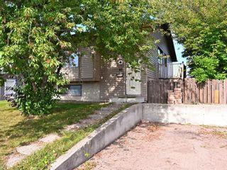 Photo 2: 40 Castlepark Road NE in Calgary: Castleridge Detached for sale : MLS®# A1146252