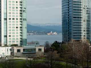 """Photo 6: 606 588 BROUGHTON Street in Vancouver: Coal Harbour Condo for sale in """"HARBOURSIDE PARK"""" (Vancouver West)  : MLS®# V929712"""