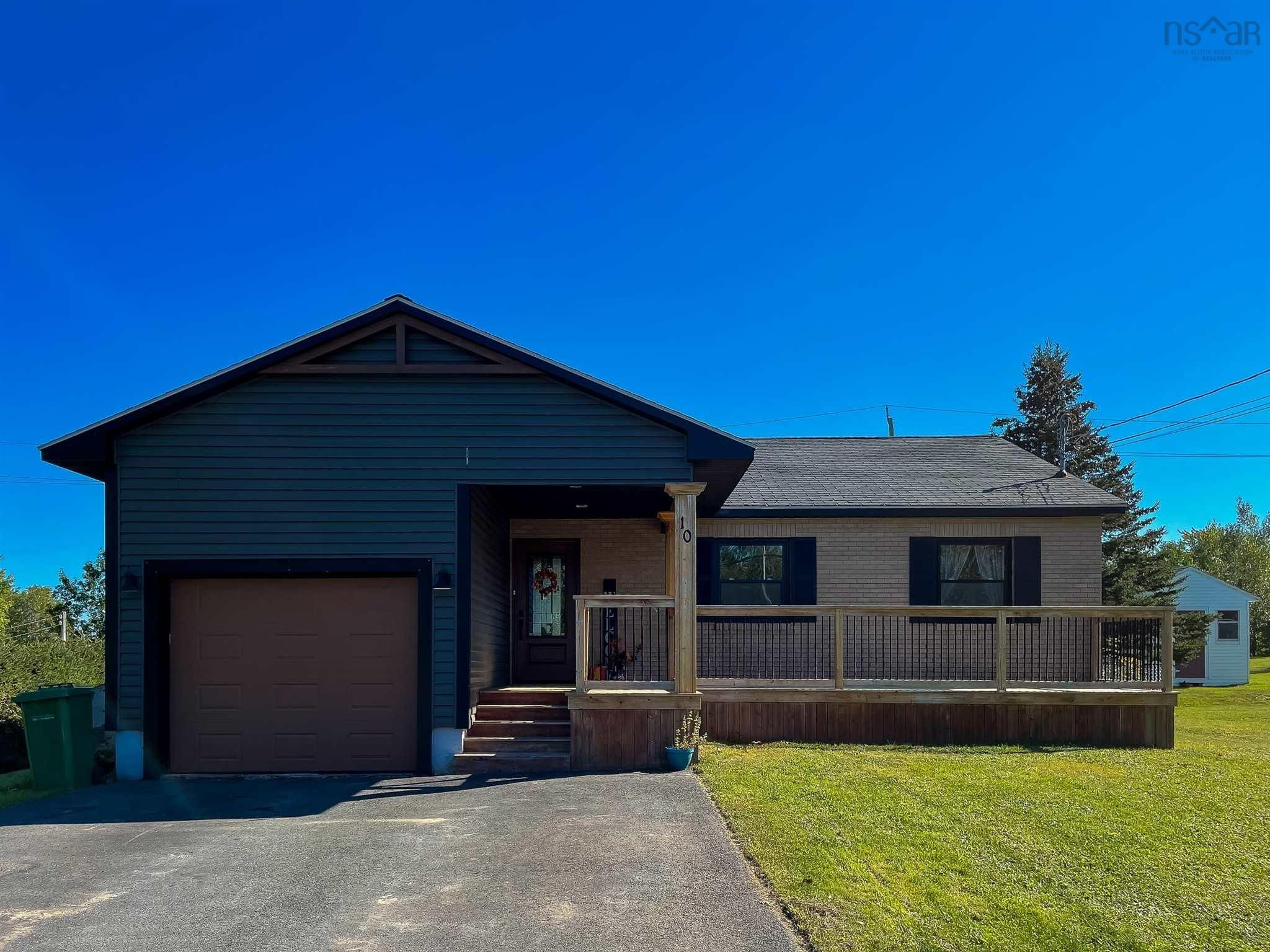 Main Photo: 10 Illsley Drive in Berwick: 404-Kings County Residential for sale (Annapolis Valley)  : MLS®# 202124135