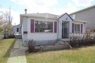 Photo 1: 2511 3 Avenue NW in Calgary: West Hillhurst Detached for sale : MLS®# A1104203