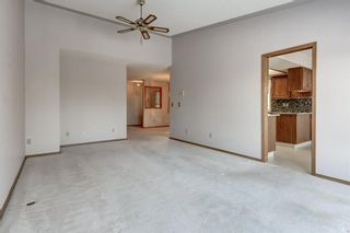 Photo 9: 113 Shawnee Rise SW in Calgary: Shawnee Slopes Semi Detached for sale : MLS®# A1068673