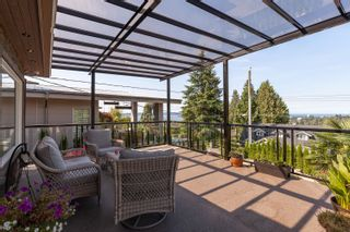 Photo 1: 960 LEYLAND Street in West Vancouver: Sentinel Hill House for sale : MLS®# R2622155