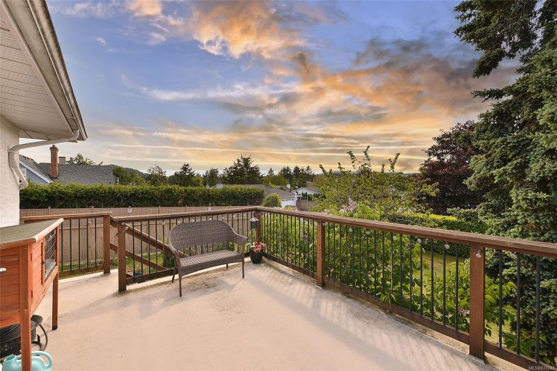 FEATURED LISTING: 6778 Central Saanich Rd