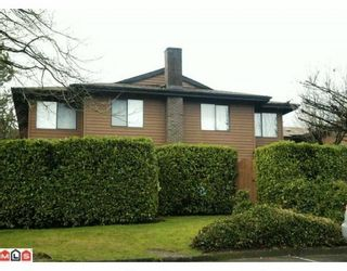 """Photo 1: 809 10620 150TH Street in Surrey: Guildford Townhouse for sale in """"LINCOLNS GATE"""" (North Surrey)  : MLS®# F1004269"""