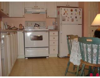 "Photo 3: 115 3172 GLADWIN Road in Abbotsford: Central Abbotsford Condo for sale in ""REGENCY PARK"" : MLS®# F2910536"