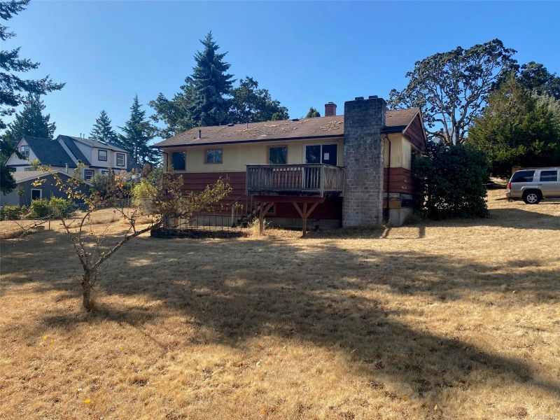 FEATURED LISTING: B - 233 Stormont Rd