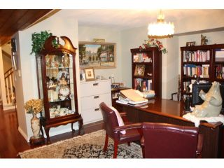 Photo 10: 2240 LUMAR PL in Abbotsford: Central Abbotsford House for sale : MLS®# F1325356
