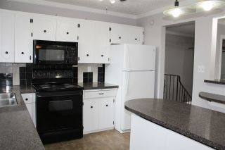 """Photo 3: 8158 WAXBERRY Crescent in Mission: Mission BC House for sale in """"Hillside / Cherry Ridge"""" : MLS®# R2358128"""