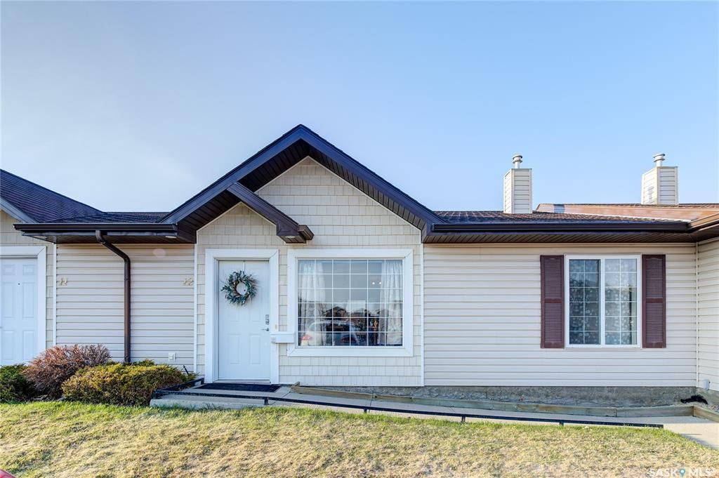 Main Photo: 12 135 Keedwell Street in Saskatoon: Willowgrove Residential for sale : MLS®# SK850976