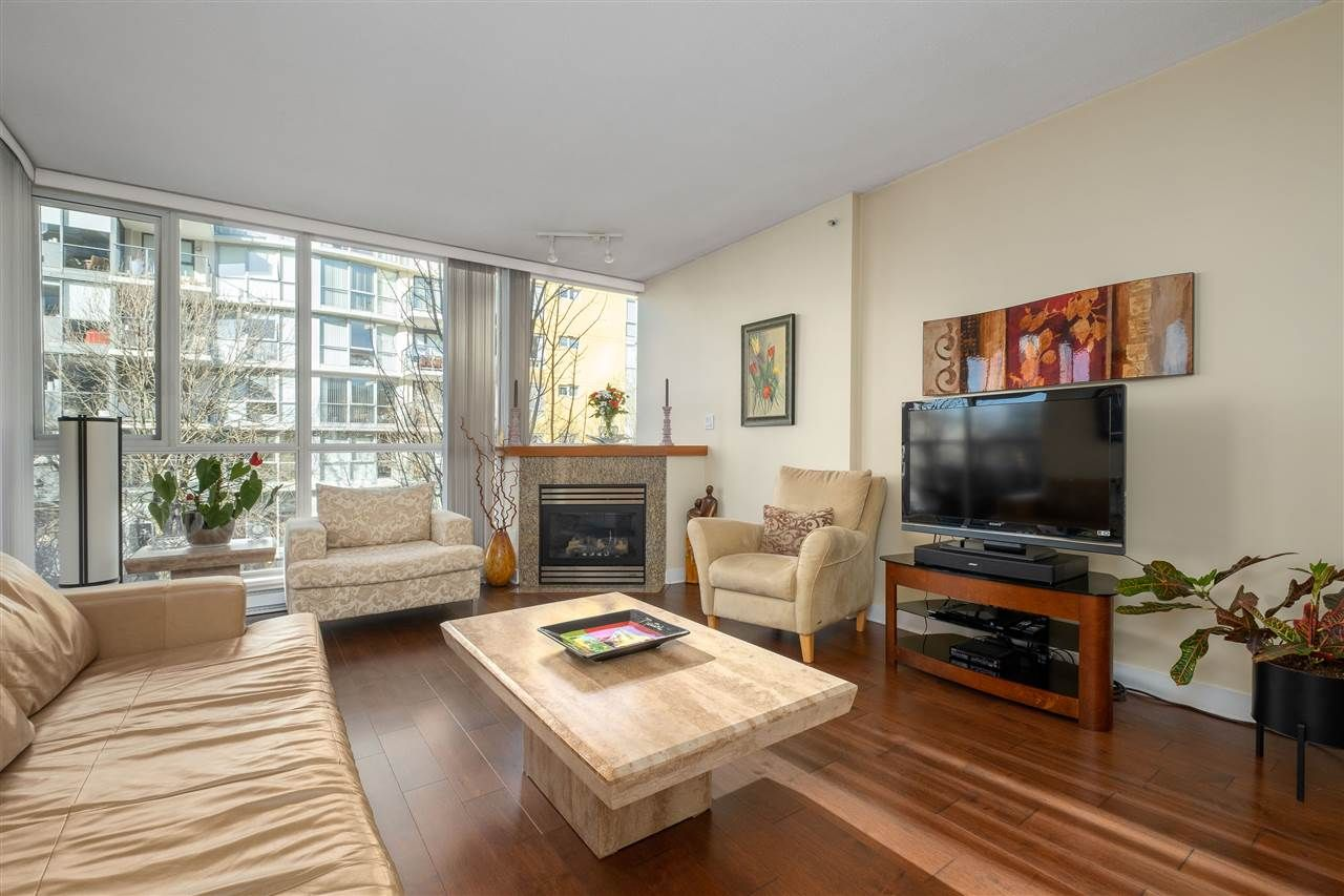 """Main Photo: 312 1450 W 6TH Avenue in Vancouver: Fairview VW Condo for sale in """"VERONA OF PORTICO"""" (Vancouver West)  : MLS®# R2543985"""