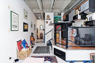 Photo 10: 214 1061 Fort St in : Vi Downtown Condo for sale (Victoria)  : MLS®# 885286